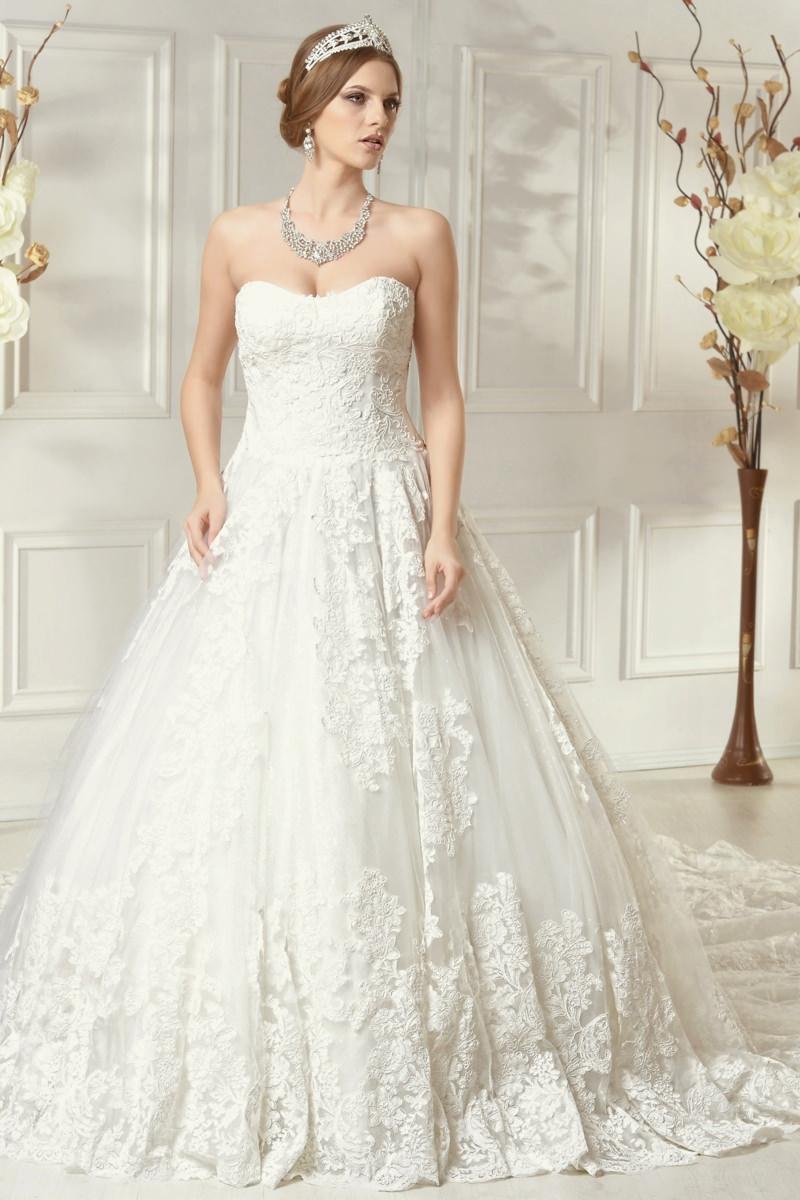 Preturi rochii de mireasa. Preturile la rochiile de mireasa ce fac parte din colectiile brandului american Impression si DaVinci Bridal prezentate pe site-ul nostru variaza intre lei pana la lei.